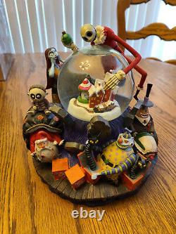 Disney Store's Nightmare Before Christmas Snow Globe MINT