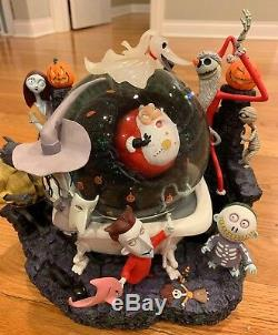 Disney's Nightmare Before Christmas RETIRED Jack Captures Santa Snowglobe (MIB)