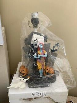 Rare Disney Nightmare Before Christmas Table Lamp Light Up Statue. Unused