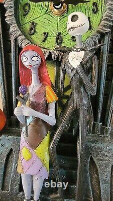 Tim Burton NIGHTMARE BEFORE CHRISTMAS Cuckoo Clock Halloween